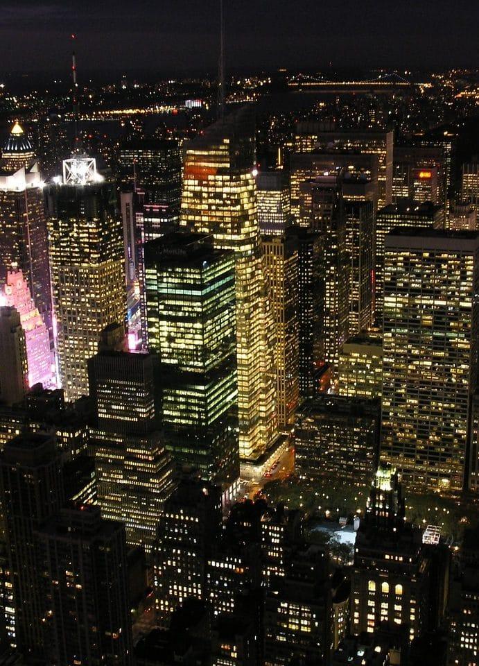 Les super gratte-ciel, luxe dans le ciel ou bidonvilles du futur ?