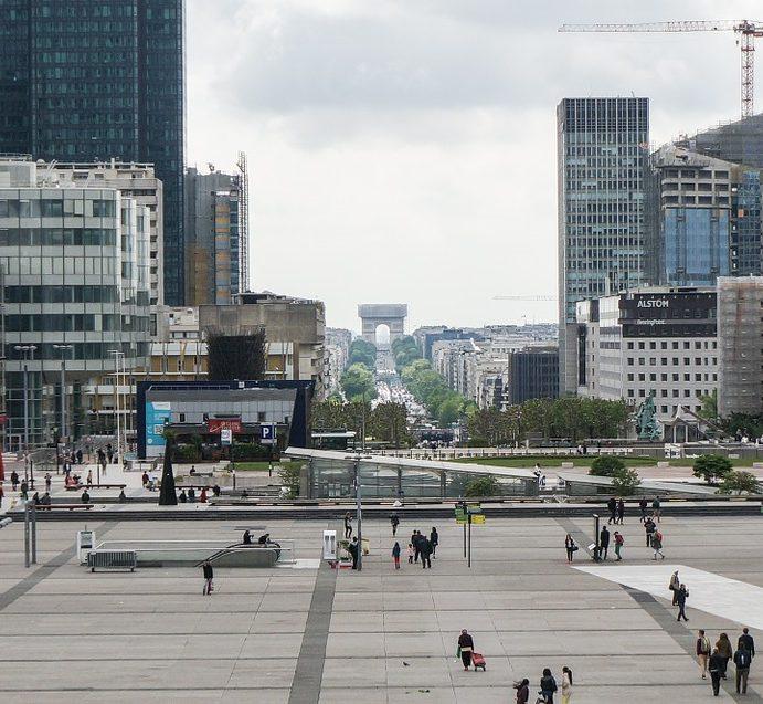 Faut-il investir dans l'immobilier d'entreprise à Paris ?